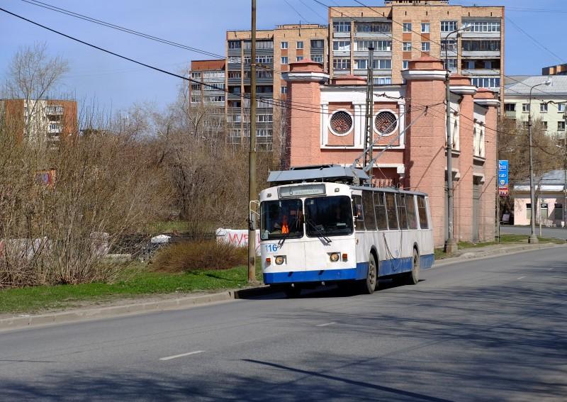 В Екатеринбурге на 1,5 часа отключат троллейбусную контактную линию